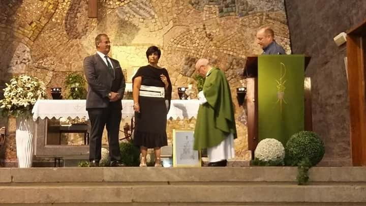 Entrega insignia de oro a Mª Isabel Meri Chaveli